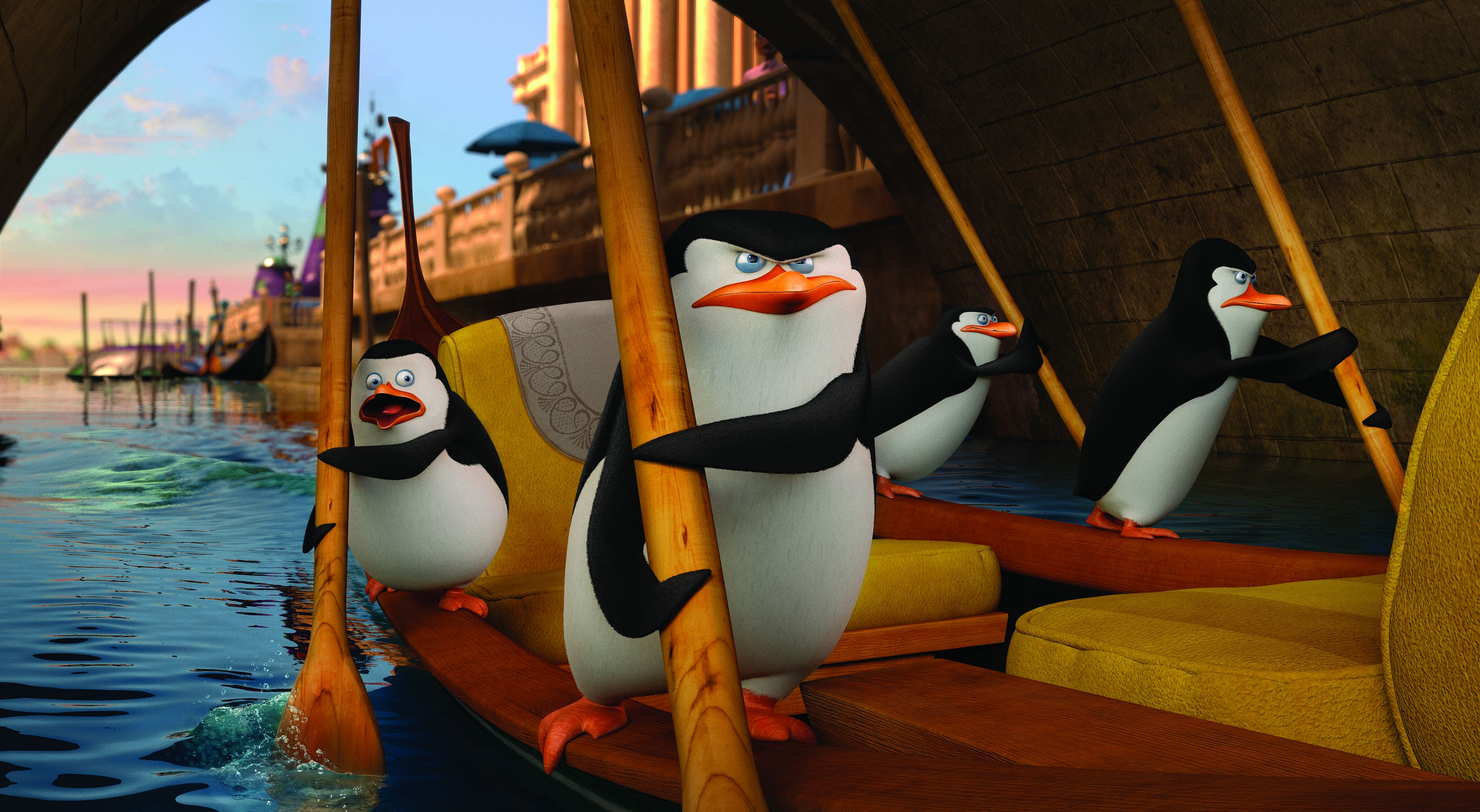 DVD-penguins-of-madagascar-rowing