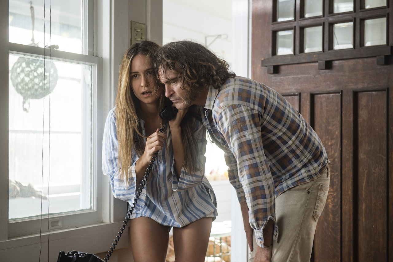DVD-inherent-vice-phone