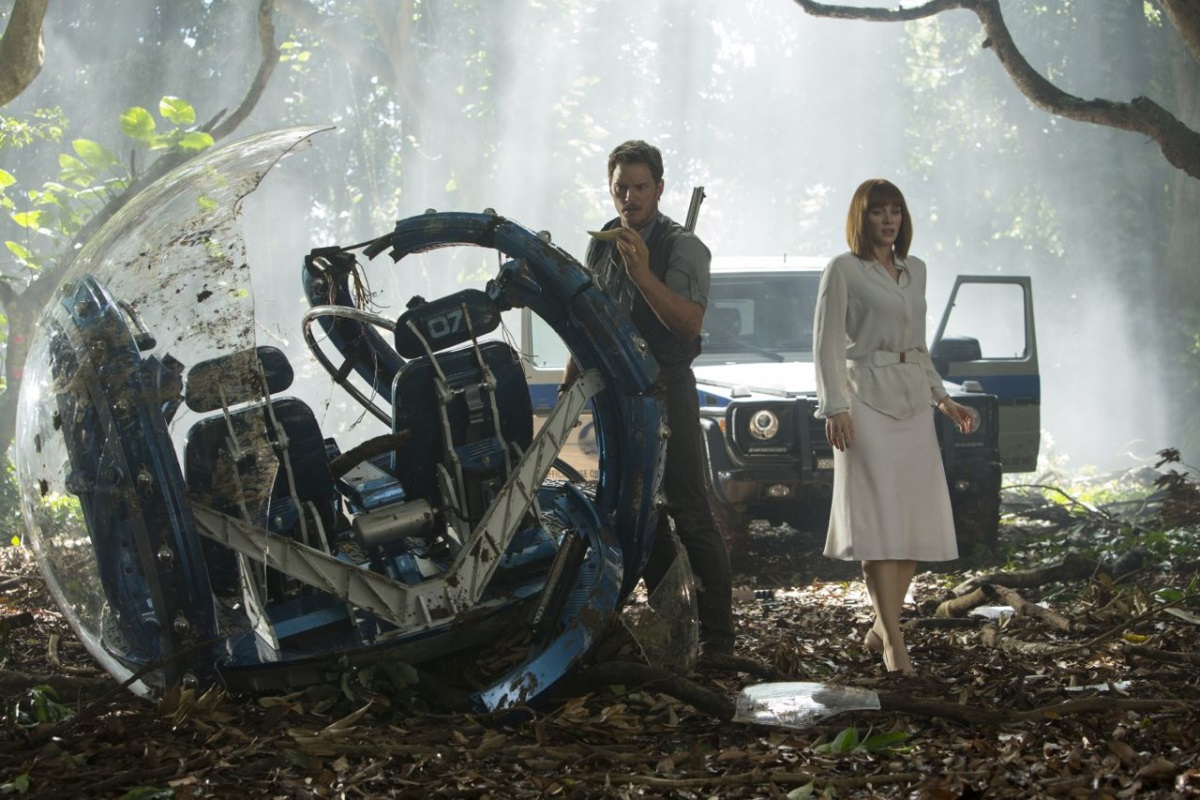 jurassic-world-pratt-howard-LARGE