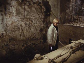black-cat-tomb