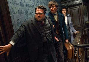 DVD-fantastic-beasts-hallway-cast
