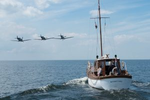 Dunkirk-civilian-boat-and-plane