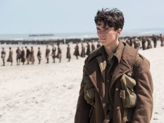 Dunkirk-lines-of-soldiers-on-beach